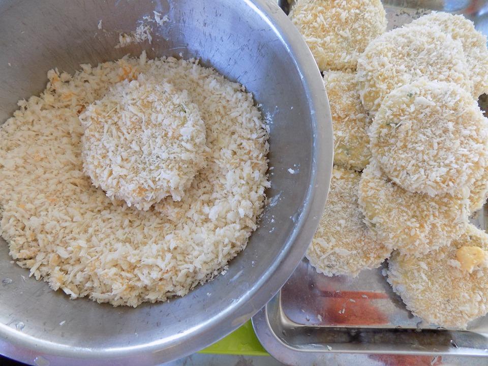Cuối tuần thảnh thơi làm bánh tôm chiên xù thơm ngon cực hấp dẫn - 7