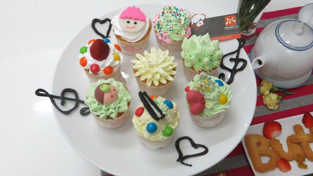Hướng dẫn làm bánh cupcake bằng lò vi sóng mới nhất 2020
