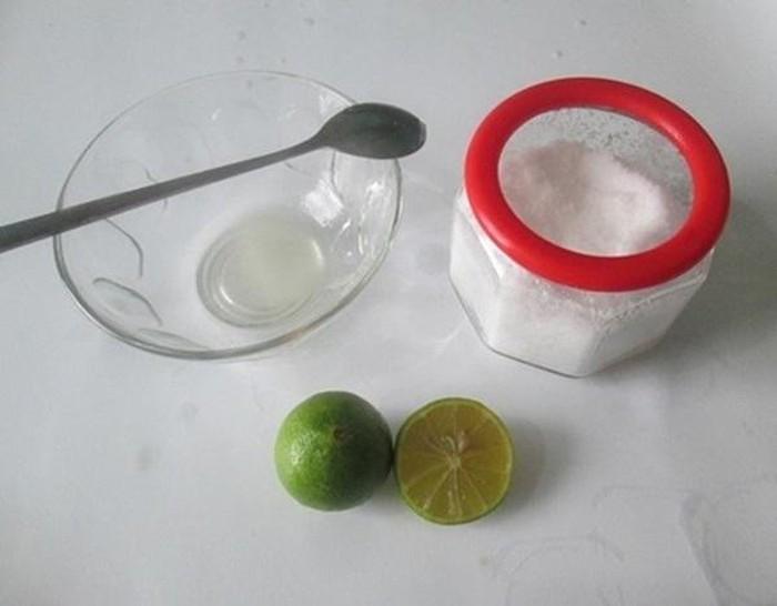 cách làm trắng răng bằng muối và nước chanh