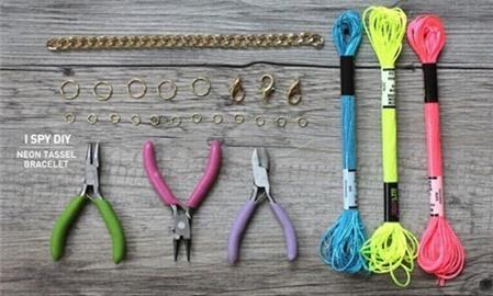 Cách làm vòng tay handmade đơn giản nhắm mắt cũng xong - Hình 2