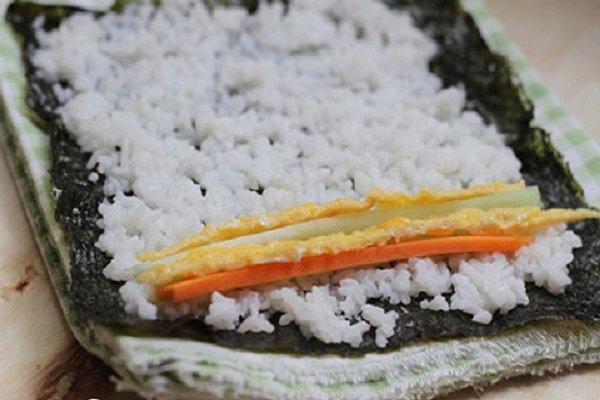 Cuộn kimbap