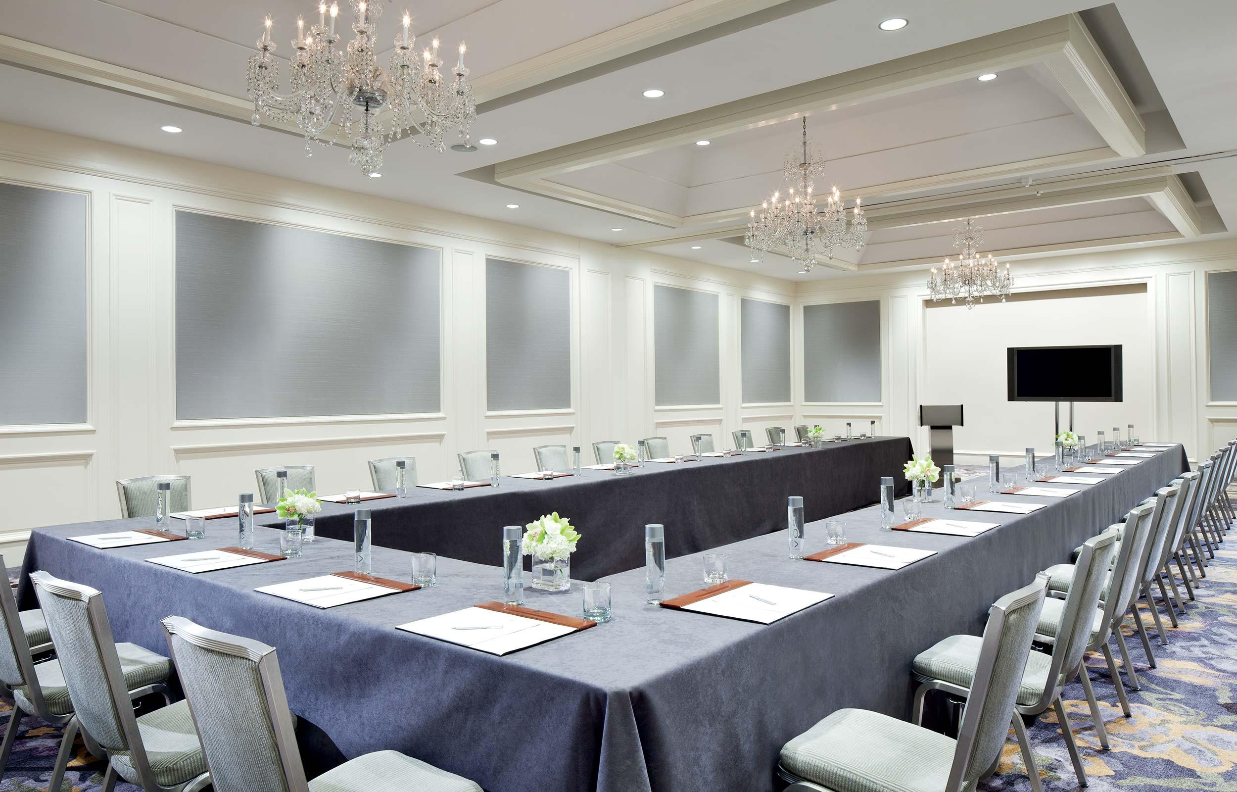 Các kiểu sắp xếp bàn ghế trong các Sự kiện Hội nghị, Hội thảo ...