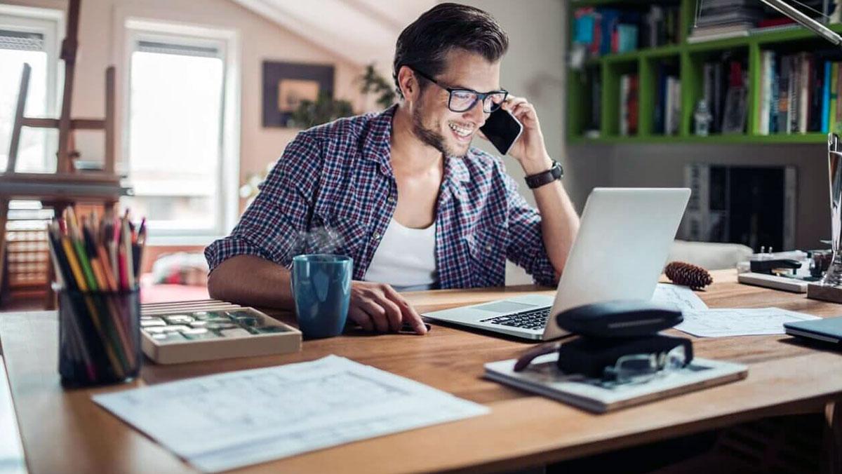 Remote - Làm việc từ xa: Xu hướng làm việc tất yếu trong tương lai - TopCV  Blog