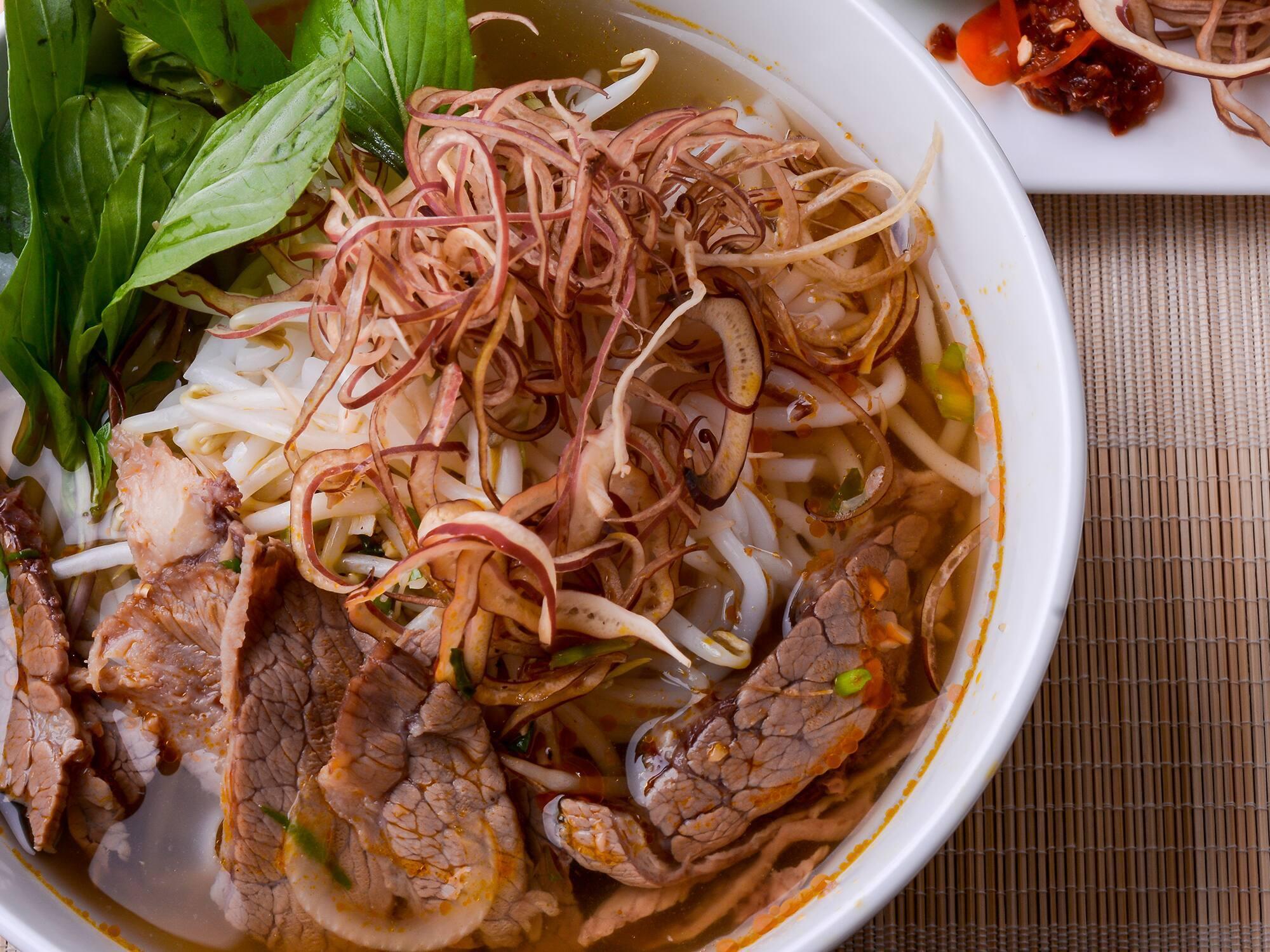 Bún bò ngon Sài Gòn nổi tiếng